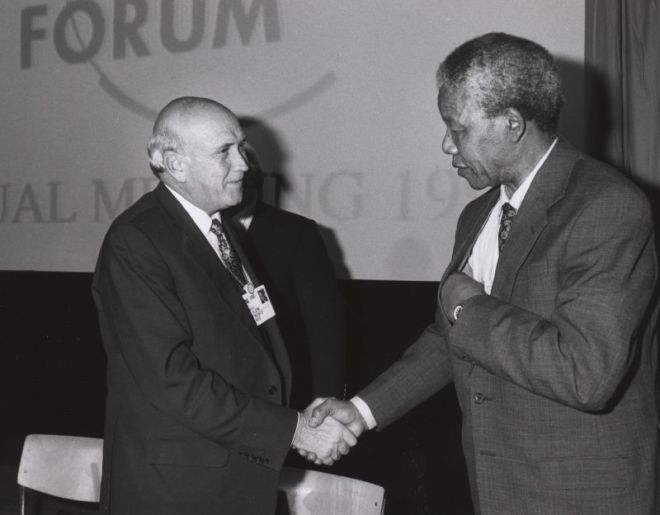 Frederik de Klerk con Nelson Mandela al World Economic Forum di Davos, gennaio 1992