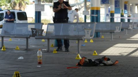 Scene of Afula shooting after Israeli Arab woman attempted to stab soldier. October 9, 2015.Gil Eliahu